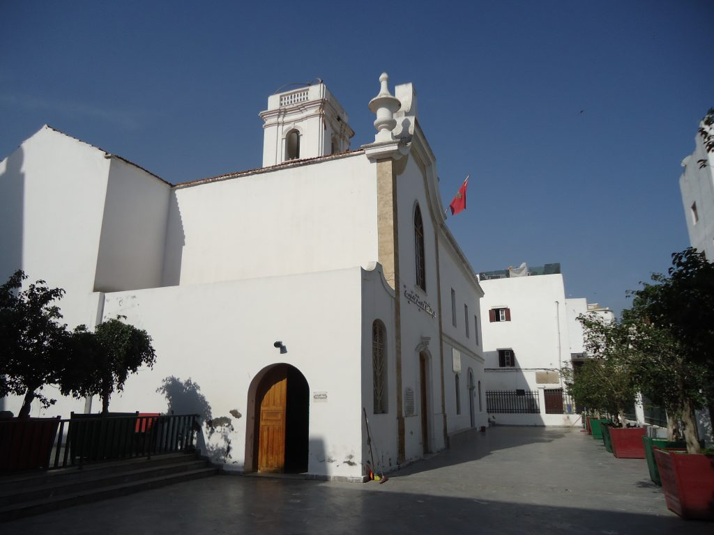 White building in the old city of Casablanca
